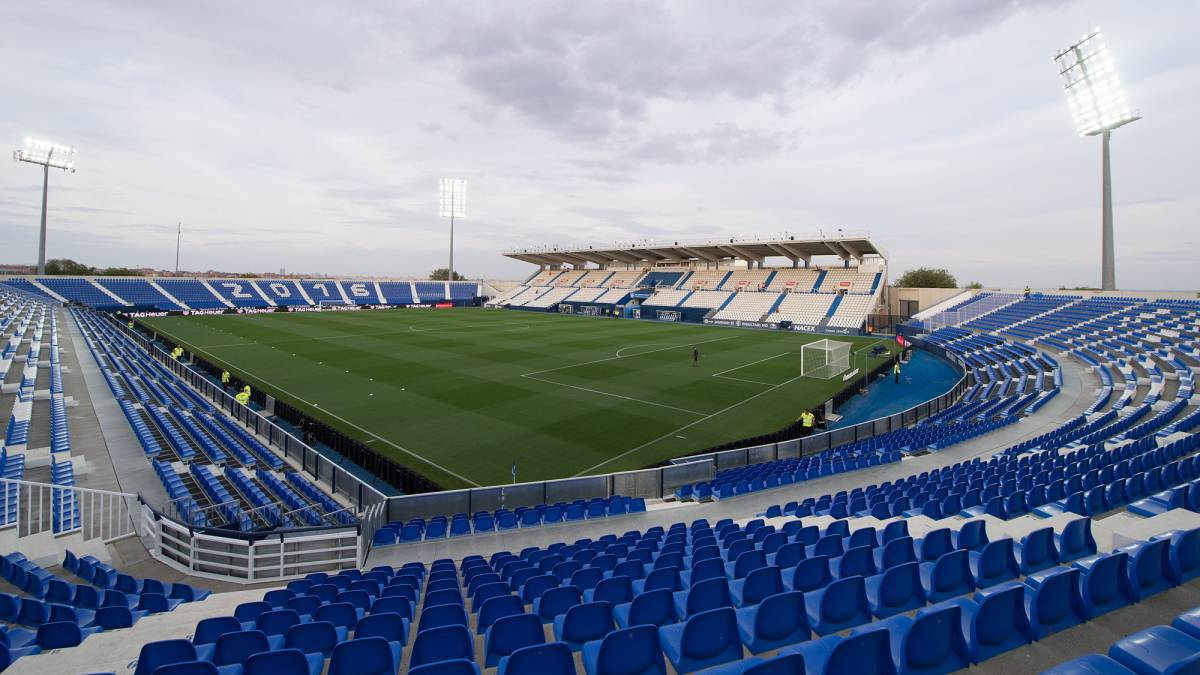 Cd Leganes Vs Getafe Cf At Estadio Municipal De Butarque On 17 01